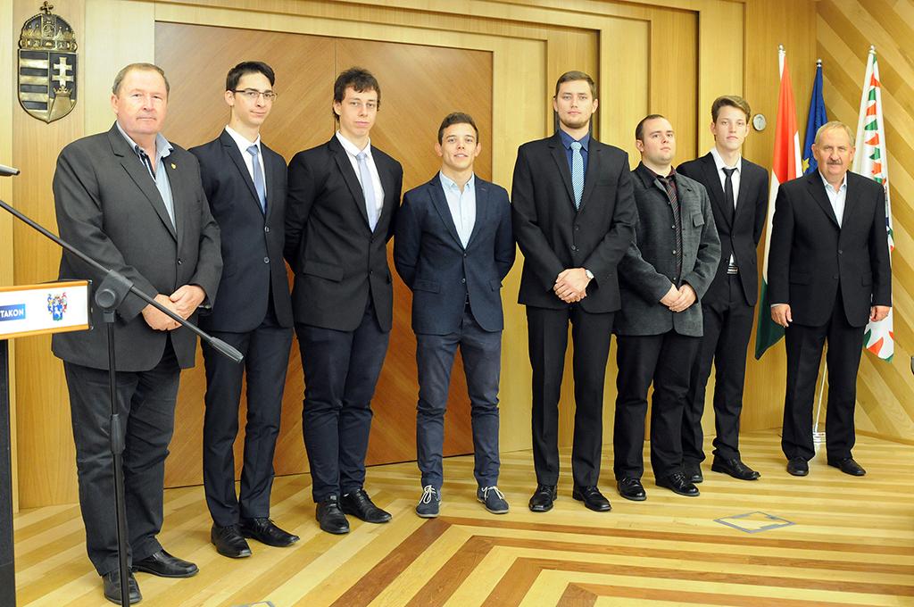Támogatás fiatal csepeli mérnökhallgatóknak